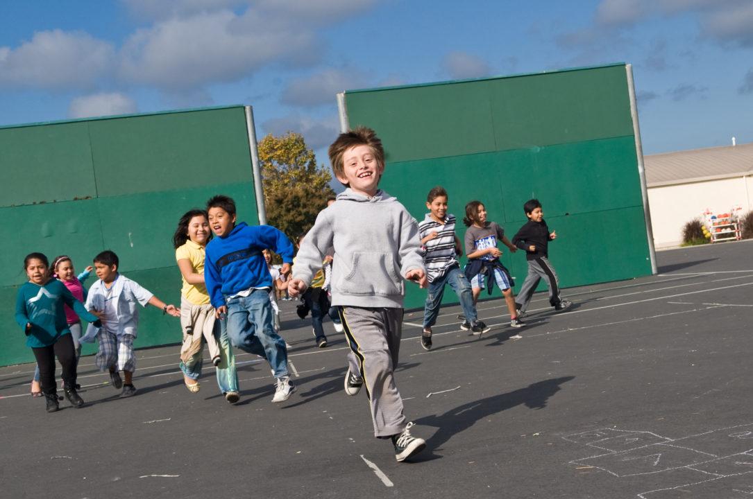 kids racing to recess